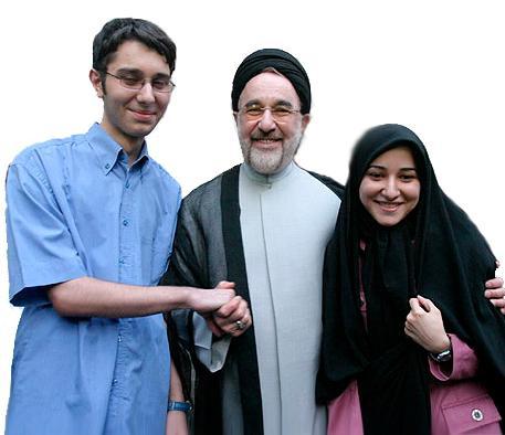 عکس : محمد خاتمی در کنار دو فرزند خود