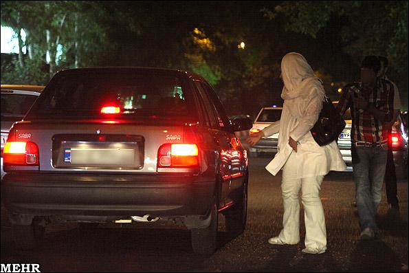جولان زنان خیابانی درتهران؟!+عکس