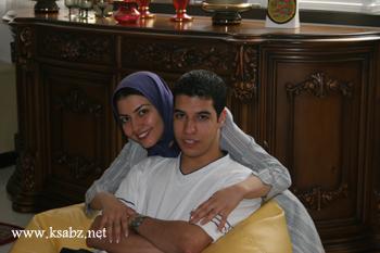 عکس : آناهیتا همتی و برادرش