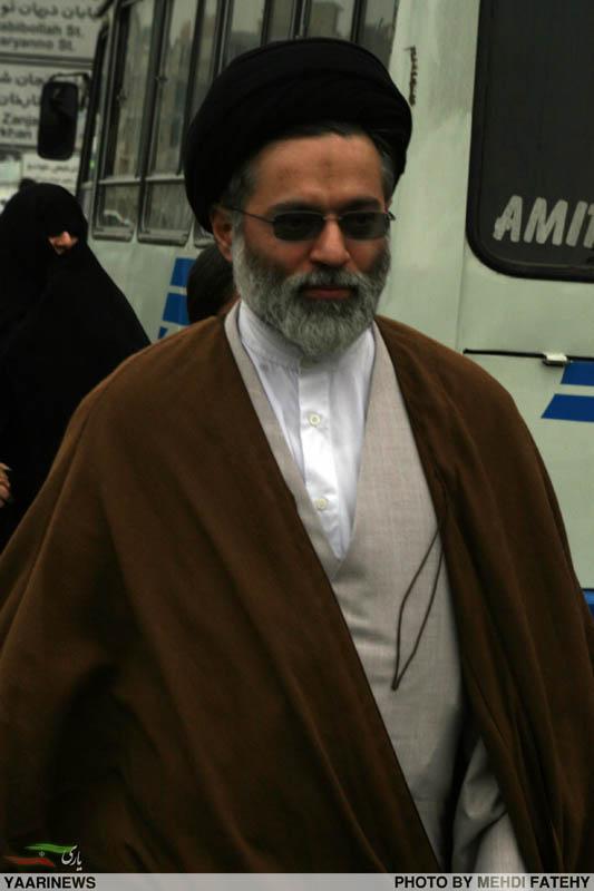 عکس :حجت الاسلام سید مصطفی خامنهای، فرزند ارشد رهبر در راهپیمایی 22 بهمن