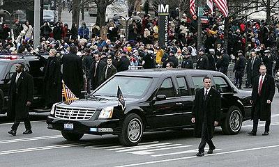 ویژگیهای بسیار جالب ماشین رئیس جمهور امریکا !
