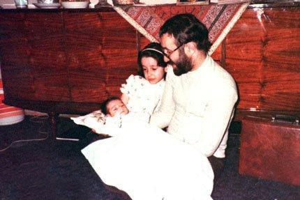 عکس : آقای خاتمی و بچه داری