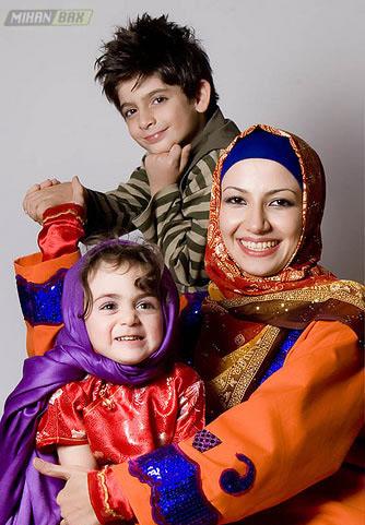 عكس های خانوادگی <strong>خاله شادونه با 2 فرزندش </strong>