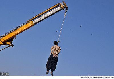 عکس :اعدام رمال متجاوزبه نواميس مردم