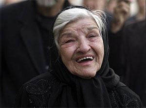 عکس : تشييع جنازه پروين سليماني بازیگر پیشکسوت سینما و تلویریون