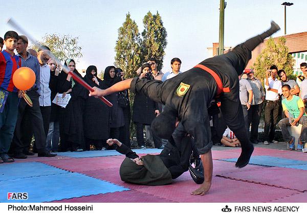 عکس : نمایشگاه عمومی نیروی انتظامی تهران بزرگ ( نبرد مردان و زنان رزمی کار )