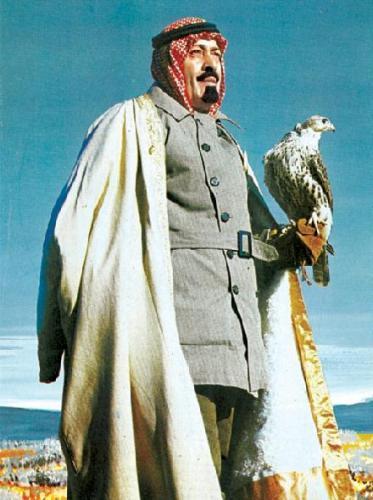 ملک عبدالله پادشاه عربستان به همراه عقابش
