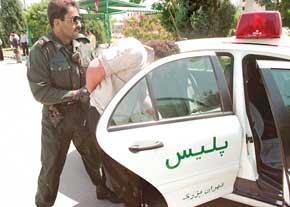 فرار 2 متهم به قتل قبل از صدور حکم مجازات (+عکس)