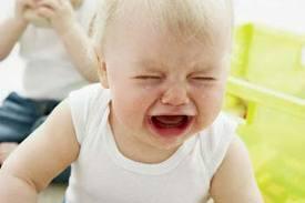 11 سوال مادران درباره گریه کودک
