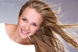 توصیه متخصصان به دخترانی که موهایی نرم،لخت،غیر جذاب وچسبیده دارند