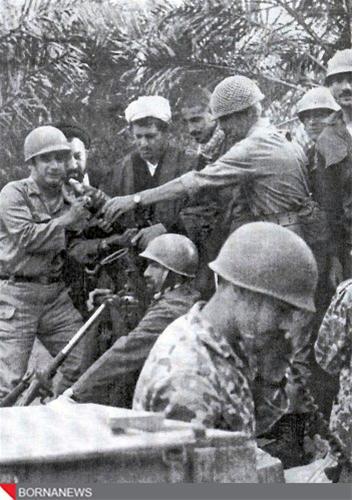 عکس های ناب از حضور هاشمی با لباس نظامی در جنگ تحمیلی