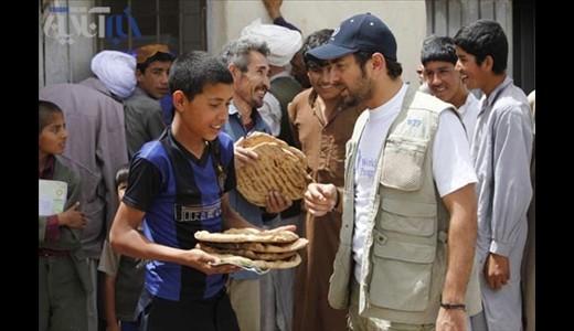 بهرام رادان در اردوگاه آوارگان افغانی