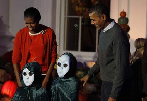 عکس های دیدنی : اوباما و خانواده در جشن هالووین