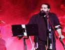 عکسهای دیدنی از کنسرت رضا صادقی با حضور برادرش و فرزاد حسنی و بازیگران معروف سینما