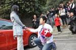 اقدام عجیب دختر چینی برای بازگرداندن نامزدش! +عکس