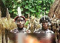 مردان و زنان در این قبیله برهنه هستند