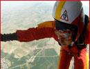 اولین دختر بدلکار ایرانی از هواپیما پرید !