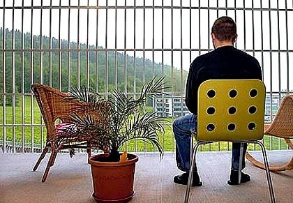 گزارش تصویری جالب : زندانهایی از نوع دیگر!