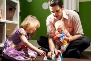 چه کار کنم تا همسرم مرا به اندازه بچه ها دوست داشته باشد؟
