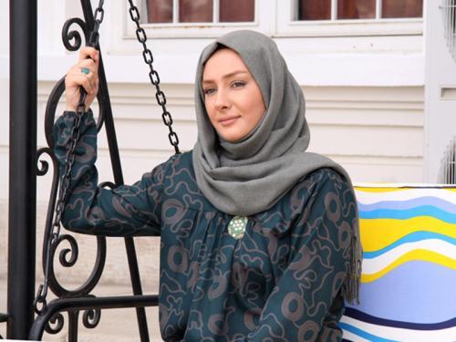 عکس : آموزش بستن شال به سبک هانیه توسلی ( لیلا شمس العماره )