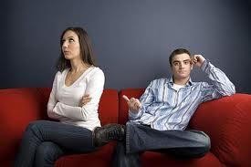 چرا نیازهای همسران بیرون از خانه برطرف میشود؟4 راه  شگفت انگیز حفظ عشق