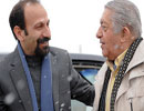 عزتالله انتظامی و اصغر فرهادی و همسرش به عیادت کارگردان قدیمی سینما رفتند