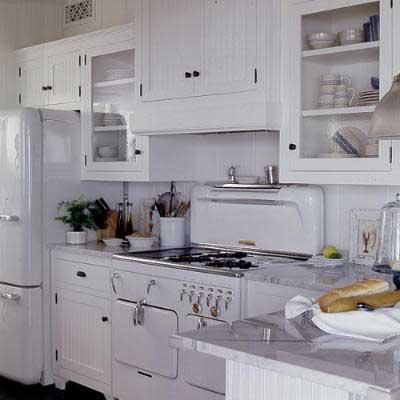 دكوراسيون آشپزخانه با وسايل سفيد