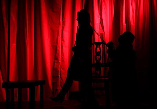 تئاتر منحرف جنسی در تهران + تصاویر