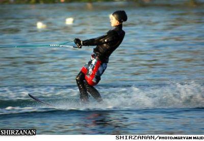 عکسهای دیدنی از اسکی روی آب خانمها