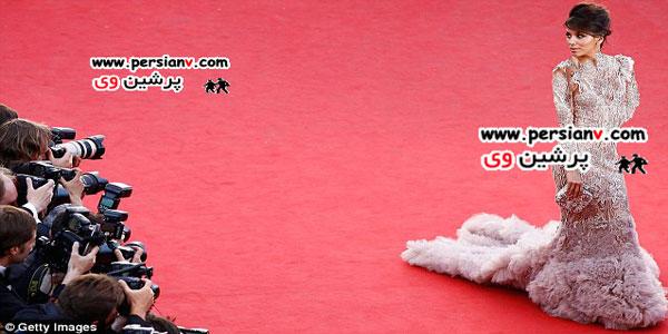 دو مدل لباس بسیار عجیب در فرش قرمز +عکس
