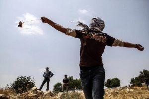 پس گردنی جوان فلسطینی به سرباز اسرائیلی+ فیلم
