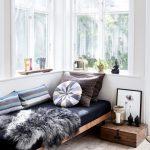کاناپه های راحتی بدون پشتی در خدمت خواب شب و روز+ تصاویر