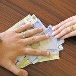 احکام خمس پسانداز زن از مال نفقه