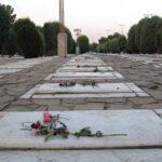 حکم پاگذاشتن بر روی قبراموات را می دانید؟