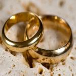 آیا مراسم عقد و عروسى در ماه محرم و صفر حرام است؟