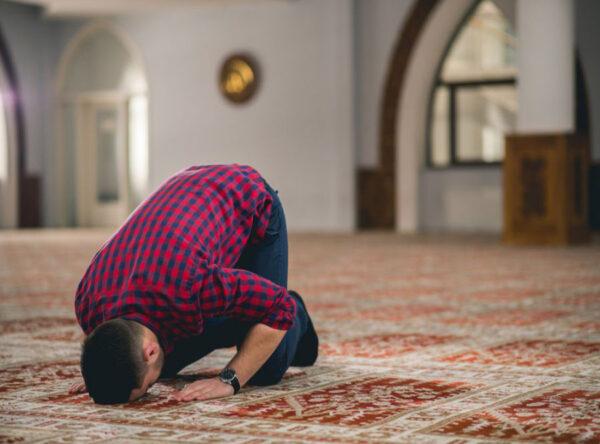 دعاى سجده برای رفع مشکل