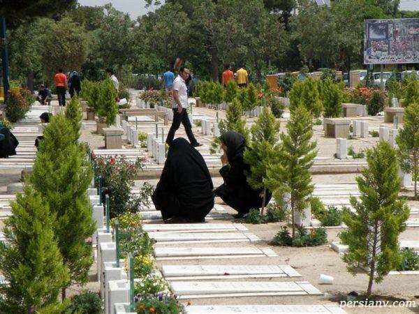 آداب قبرستان رفتن از منظر اسلامی چگونه است؟