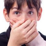 فحش دادن و بد دهانی به دیگران از منظر قرآن و روایات اسلامی چه حکمی دارد؟