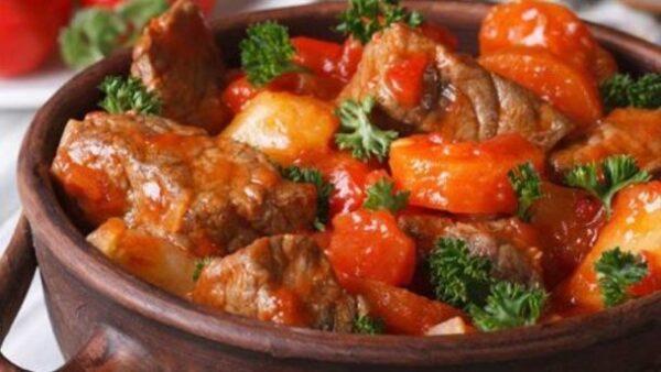 طرز تهیه طاس کباب یک ناهار خوشمزه