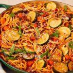طرز تهیه ماکارونی با سبزیجات