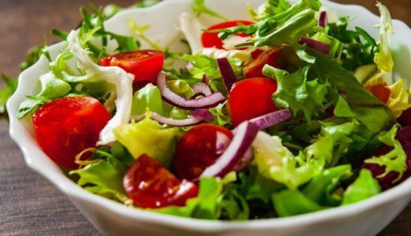 سالاد تابستانی با سبزیجات
