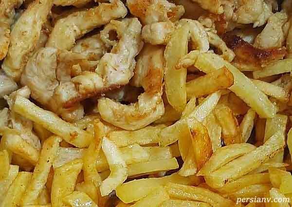 ساندویچ مرغ با سیب زمینی