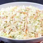طرز تهیه سالاد کلم سفید با سبزیجات معطر