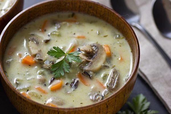 طرز تهیه سوپ قارچ و مرغ