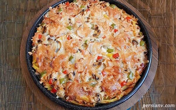 ماکارونی با پنیر پیتزا