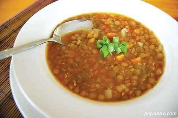 تهیه سوپ مرغ و عدس در سه مرحله