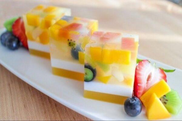 طرز تهیه ژله سه رنگ میوه ای