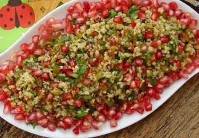 خوراکیهای متنوع با انار