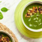 سوپ اسفناج ( بسیار ساده و سریع و خوشمزه )