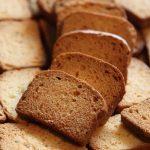 دسر نان سوخاری برای افطار ( آسان و خوشمزه )